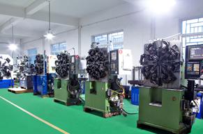 奥特万能机器生产线